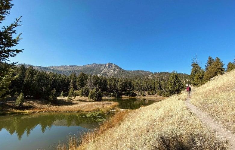 Best Hiking Trails In Yellowstone National Park